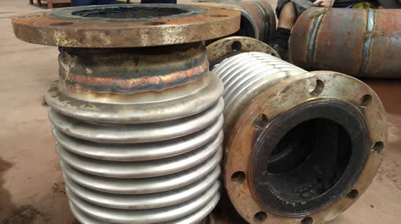 Expansion joints welding - What is an expansion joint