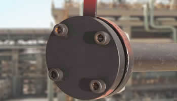 blind flange usage close the end of pipe - Applications of Flanges
