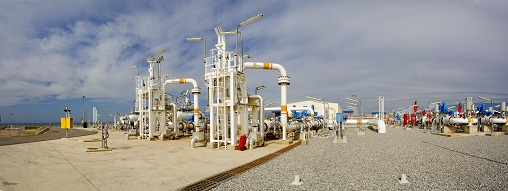 Panoramaofthereceivingterminal Almeria - What is a natural gas pipeline?